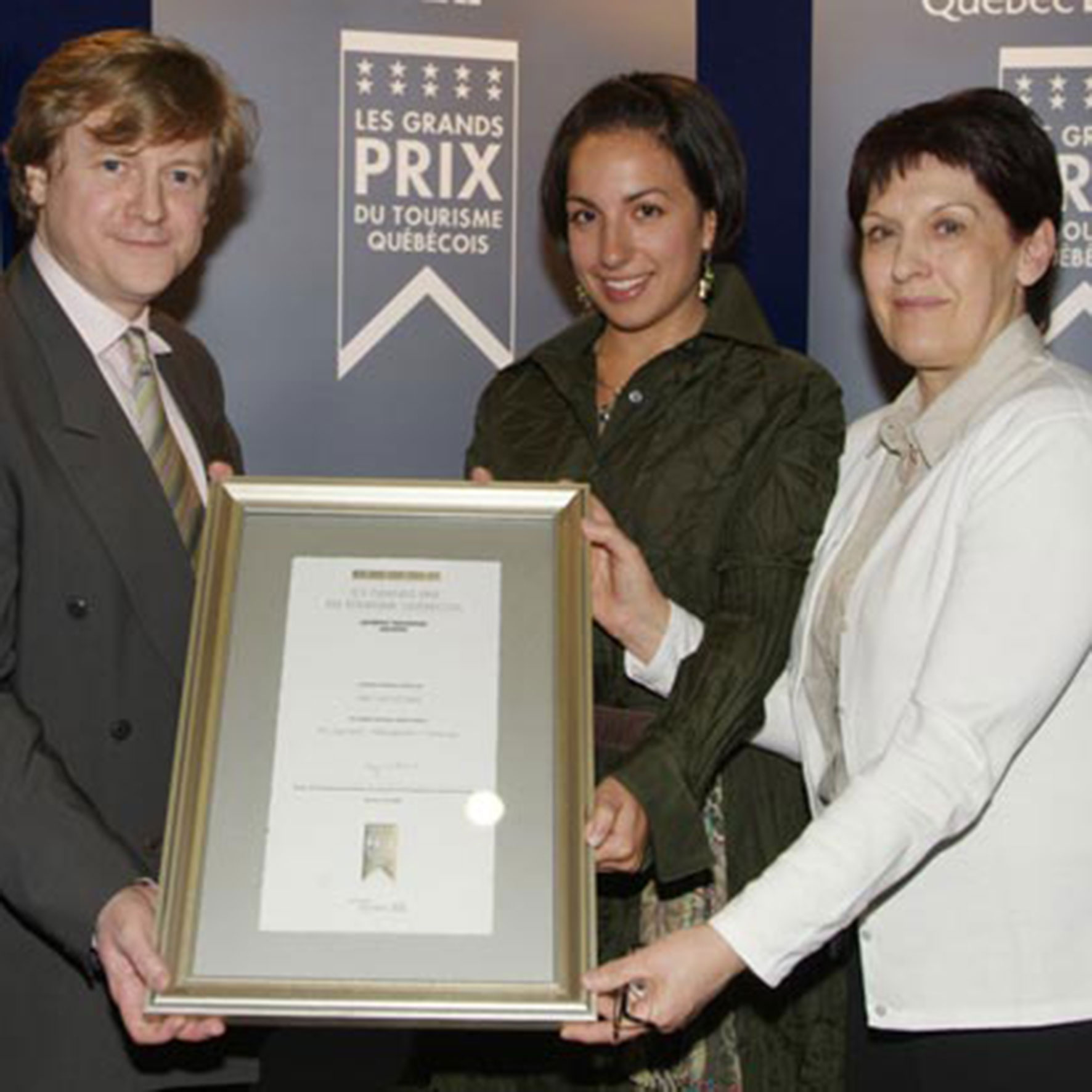 the Personal Brand Architect winning a prize for management